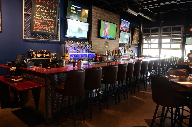 Wallys Pizza Bar – Gourmet Pizza and Sports Bar